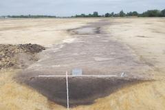 Vorgeschichtlicher Gewässerlauf mit Grabenprofil