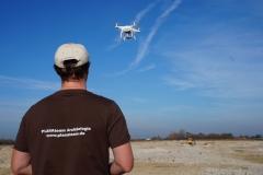 Drohnenpilot bei der Arbeit